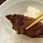 焼肉万福 - カルビと中ライス