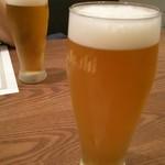 37317871 - ビールで乾杯!