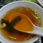 味楽 - (2015/3月)上海焼きそばについてきたスープ