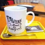 Meat & Bakery TAVERN - 薪火焙煎コーヒー