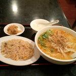 香港厨房 - 坦々麺+チャーハン