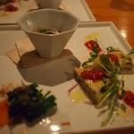 雨ことば カフェ - 前菜3種:冬菜のおひたし・コチュジャン蒟蒻・オムレツ