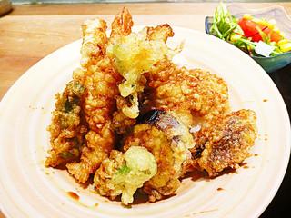 銀座 さら双樹 - 天ぷらの内容は、、、、大きなえび2本、穴子、なす、ししとう、サツマイモ、しその葉