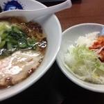 37323767 - 塩らーめん(500円)+ビンゴ特典替え飯