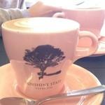 37325363 - 淡いピンクのカップ
