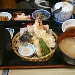 茶山 - 天婦羅定食