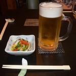 フードパラダイス エムエム - 料理写真:お通しと生ビール