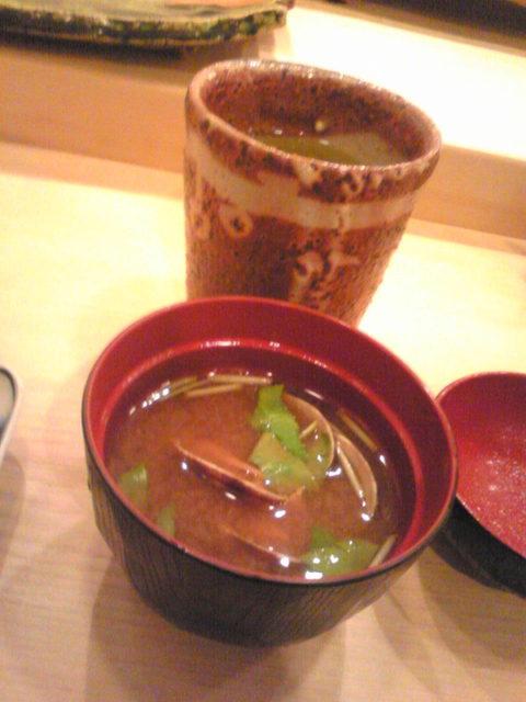 治鮨 - あさり汁