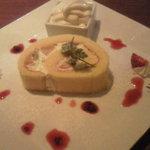 KUMA Cafe - メニューにのってないロールケーキ