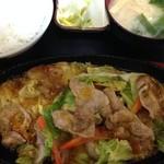 37332738 - 豚肉じゅうじゅう定食850円