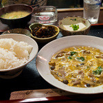 やよい食堂 - 日替わり定食、牛肉の柳川風。