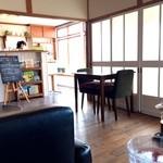 カフェ イタイラウインズ - 店内