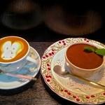 鈴木珈琲店 - 料理写真:ティラミスとカプチーノ