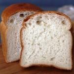 すぎうらベーカリー - お米のパンの断面  250円くらいだったかな?