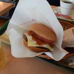 モスバーガー - チーズバーガー+ポテトセットで¥710だ