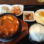 名家 - 豆腐チゲランチ定食