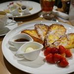 サラベス - フラッフィーフレンチトースト