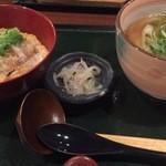37342270 - カツ丼&小きつねセット