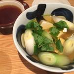 北海道産石臼挽蕎麦 増田屋 - 湯豆腐