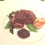 バスティアン クントラーリ - お肉料理(子羊のステーキ)