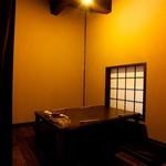 鮨 有楽 - 全室個室であり、一部屋ごとに違った造りです。
