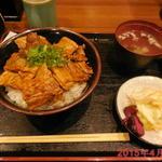 豚々亭 - 豚丼セット \800