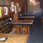 奉天 - 内観写真:テーブル席