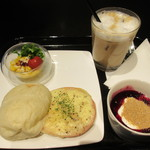 STAMPS CAFE - STAMPSクロックムッシュモーニングセット(アイスカフェラテ) 950円+50円