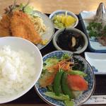 37355331 - 黄金定食1600円