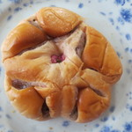 どんなときも - 桜あんぱん(170円)