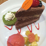 ラ テラス カフェ エ デセール - デザート ショコラショートケーキ