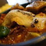 アジアンスープカリー べす - ラムカレー+角煮+ベコもチーズ