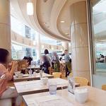 カフェ ゆとりの空間 - 明るい店内