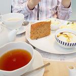37360396 - 紅茶とデザートプレート