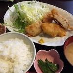 37362751 - 日替りの肉定食(レンコンのはさみ揚げ)