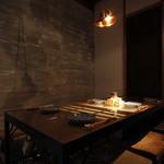 焼鳥スエヒロガリ - テーブル席