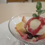 ラ セッテ - 苺とマスカルポーネの春パフェ