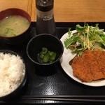 縁 - 豚厚ロースカツ定食(620円)