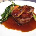 オーシャンテラス - 牛フィレ肉のロッシーニ ローズマリーを添えて