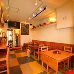 海鮮 bar isoichi - 温かみのある店内