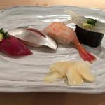 37372995 - 寿司を追加