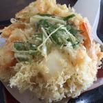 37373041 - これが美味しい、かき揚げの天ぷら。