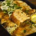 魚々 - まぐろステーキ丼