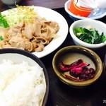 魚たつ - 焼肉定食(750円)