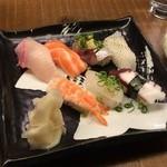 竹乃屋 - 寿司7種盛り890円(税別)