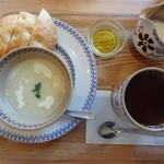小さな紅茶屋さん crann - モーニング スープとフォッカチャ アイリッシュティー