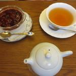 Cafe 清澄 - 妻は紅茶と牛乳プリンいちごソース。
