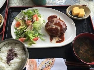 子安の里 カフェ まりん - ハンバーグ膳