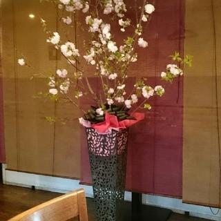 お祝いや送迎会等々…大切な方にお花を送られませんか?