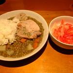 CASA DE EDUARDO - レンテハ・コン・チャンチョ(レンズ豆と豚肉に煮込み)